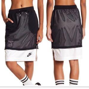 NIKE • Mesh Overlay Skirt Black White Sz XS